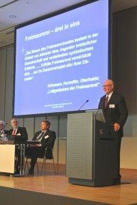 Prof. Hans-Hermann Höhmann spricht über das Ritual der humanitären Logen