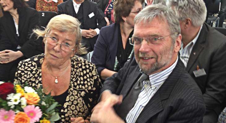 Festrednerin Carmen Thomas und Horst Delkus von der Loge
