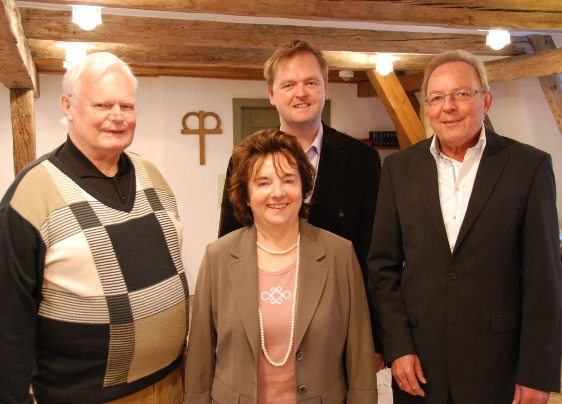 v.l.n.r.: Dr. Friedrich Sticht, Christine Beyer, Alexander Achenbach, Uli Wendel