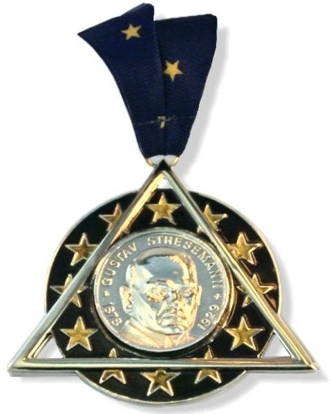 Die Stresemann-Medaille der Freimaurer-Großloge der Alten Freien und Angenommenen Maurer von Deutschland