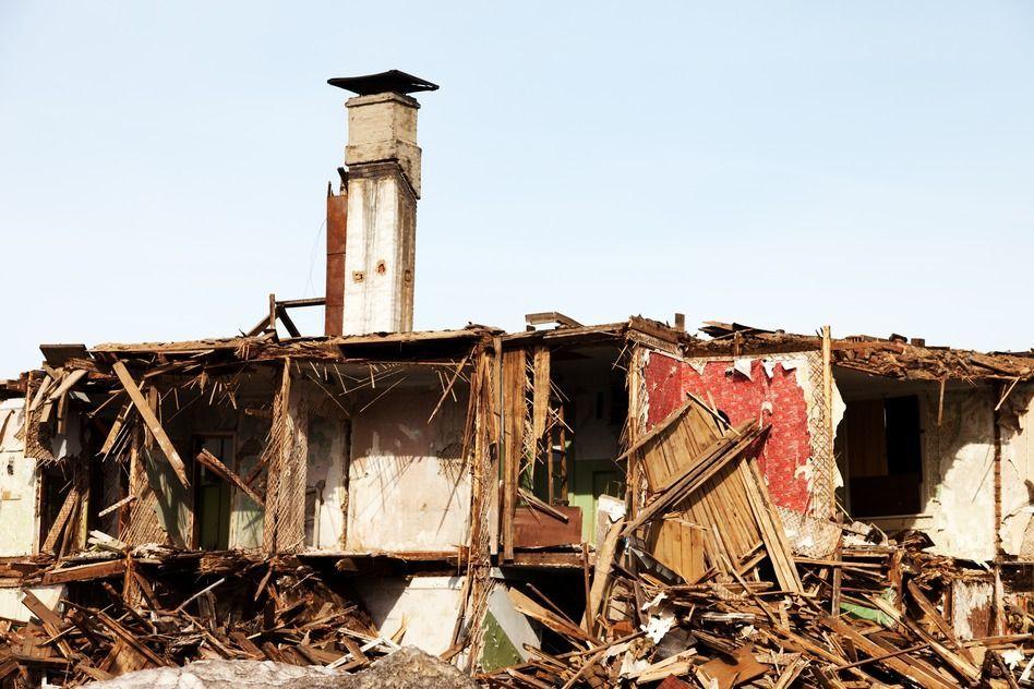 Durch Erdbeben zerstörtes Haus