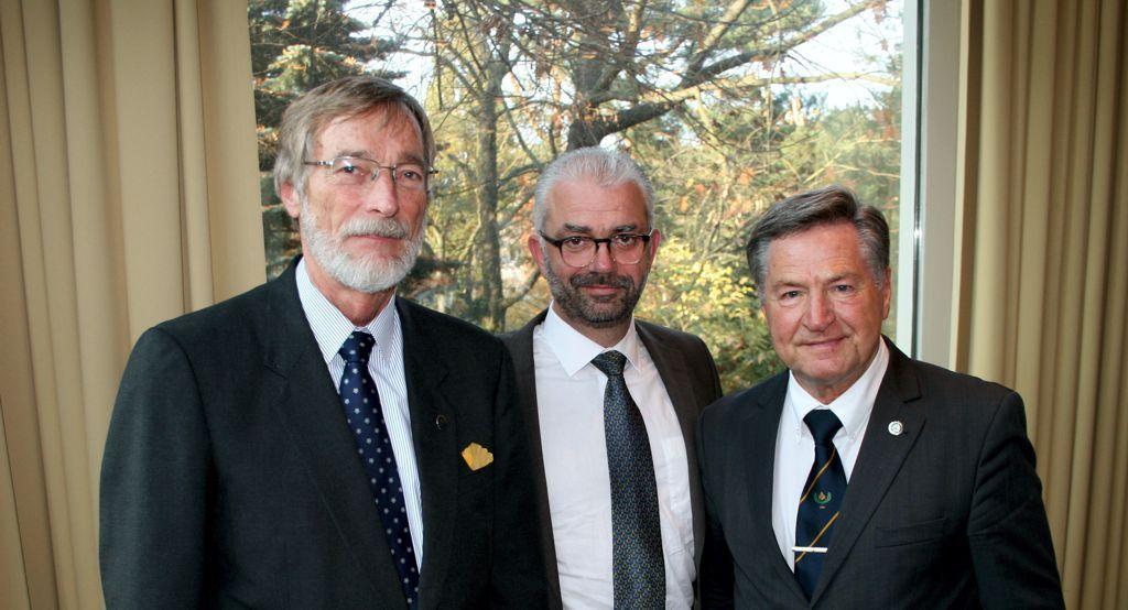 v.l.n.r. Bernd Brauer, (stellvertretender Großmeister), Christoph Bosbach, (Großmeister), Rüdiger Templin (Altgroßmeister). Foto: Bastian Salier