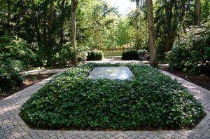 Grabstätte Richard und Cosima Wagner hinter der Villa