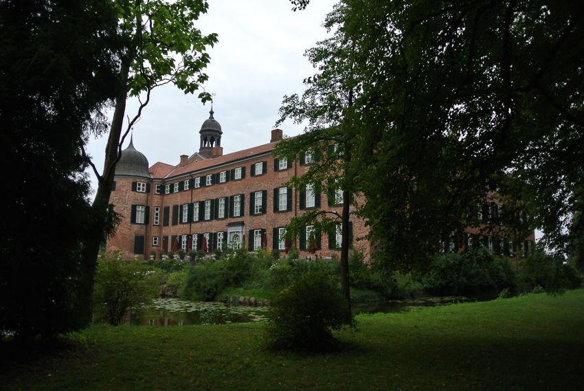 Das Eutiner Schloss von der Schlossgartenseite