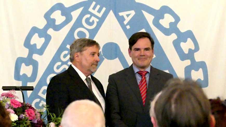 Großmeister Prof. Dr. Stephan Roth-Kleyer mit dem Preisträger Uwe Tellkamp
