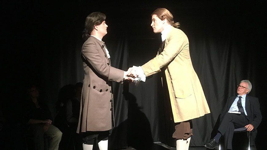 Dominik Richter und Dennis Roth (Neues Kellertheater Wetzlar) in den Rollen von Ernst und Falk