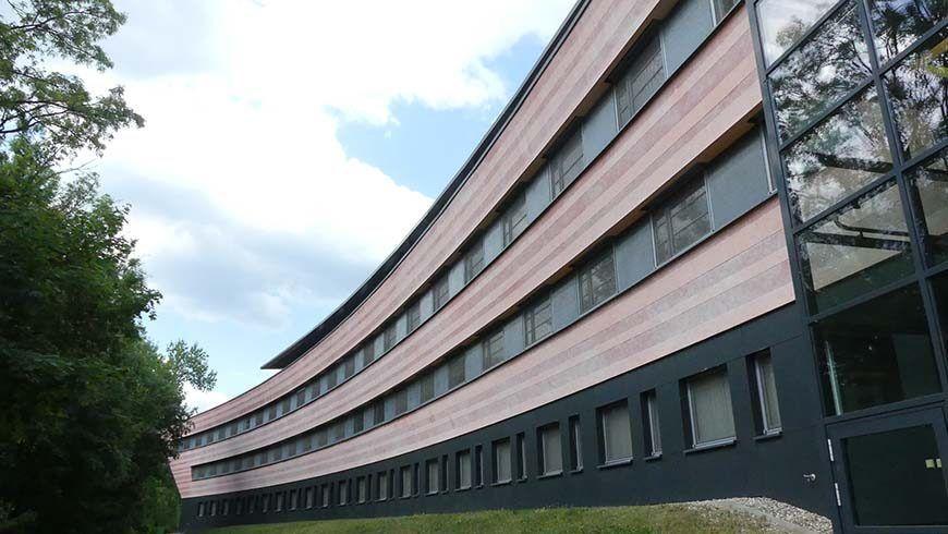 Das Gebäude erinnert eher an ein Raumschiff und bot einen ausgezeichneten Rahmen für einen gelungenen Großlogentag