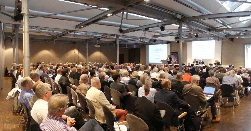 Ein voll besetztes Plenum bei der Mitgliederversammlung bezeugte das Interesse der Logen.