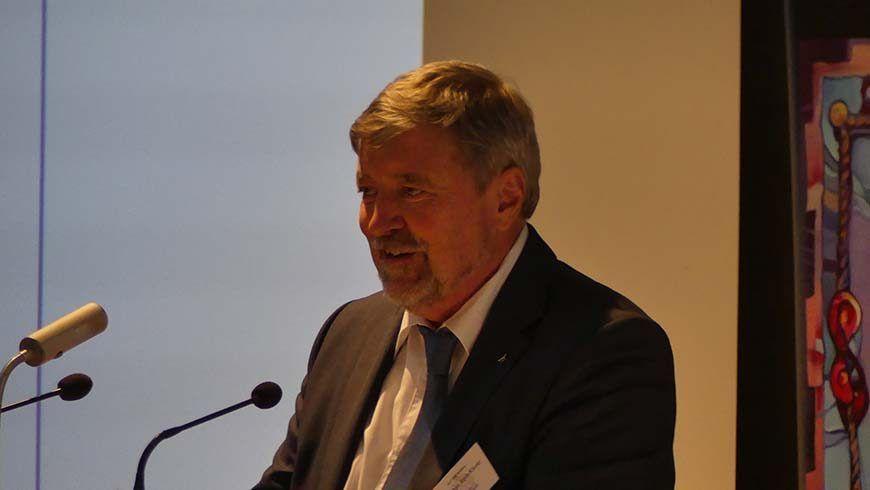 Der alte und neue Großmeister Br. Stephan Roth-Kleyer bei seiner Dankrede.