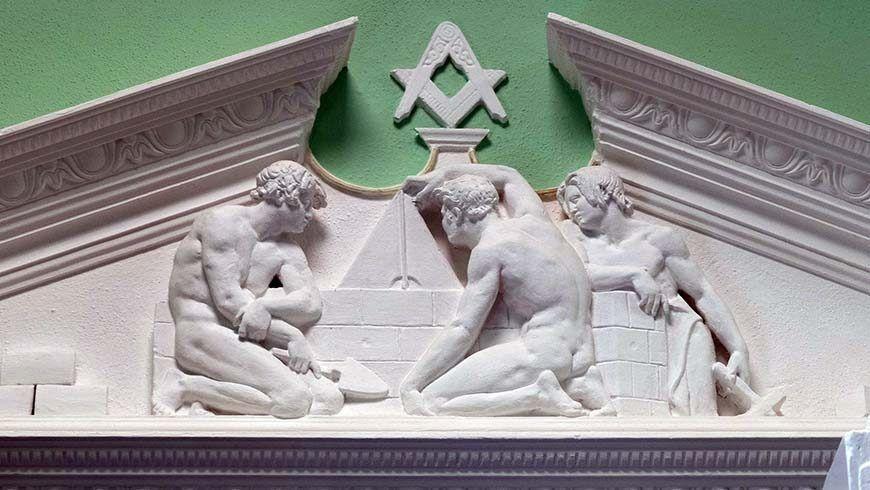 Freske im aufwändig restaurierten Logenhaus. Führungen für Brüder, Partnerinnen und Gäste waren sehr beliebt.