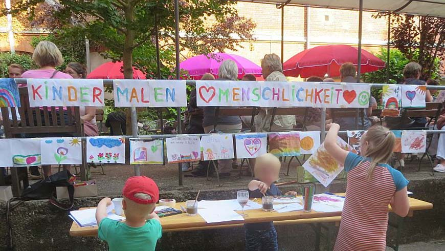 Lübecker Kinder malen Bilder zum Thema