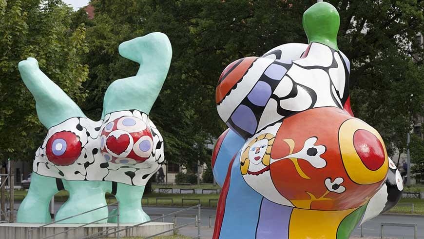 Nanas der französischen Künstlerin Niki des Saint Phalle an Hannovers Leineufer