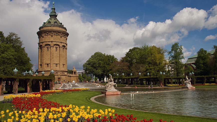 Wasserturm in Mannheim Foto domeckopol / pixabay