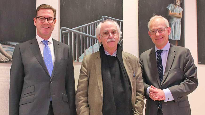 Hans Jürgen Gottschalk (Mitte) begleitet von Axel Kinast von der Loge Roland (Links) und Thomas Stuwe, Distriktmeister Hamburg (Rechts)