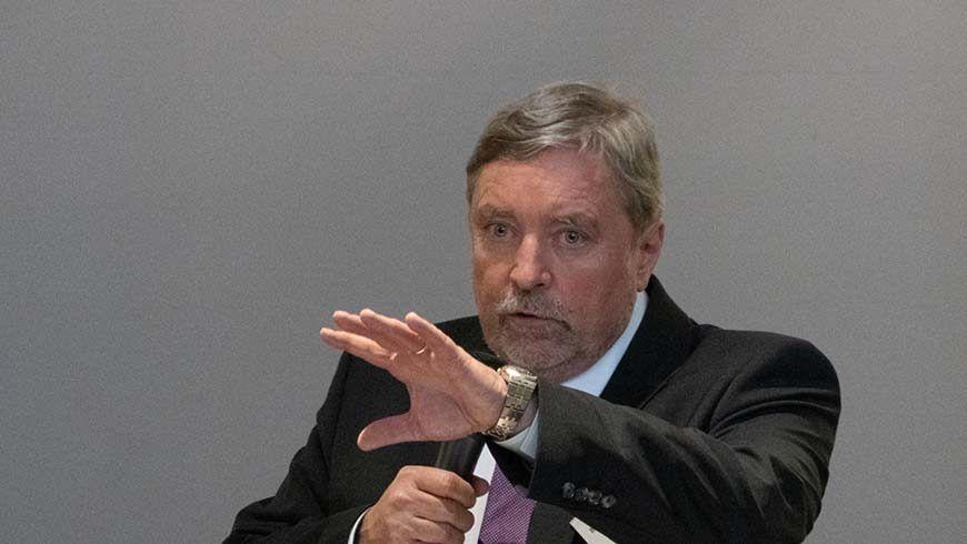Großmeister Prof. Dr. Roth-Kleyer bei der Eröffnungsansprache