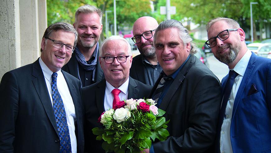 """Br. Cornelius Rinne (2. v. r.) im Kreise von Brüdern seiner Loge """"Armin zur Deutschen Treue"""" Foto: Oliver Barckhan"""